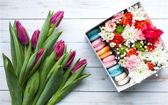 Fond d'écran Tulipes pourpres, macaron coloré, boîte, fleurs, cadeau