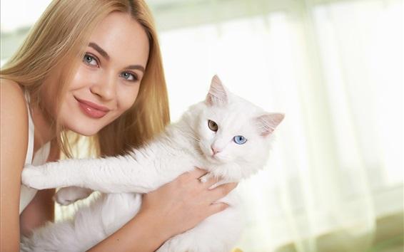 Fond d'écran Sourire fille blonde et son chat blanc