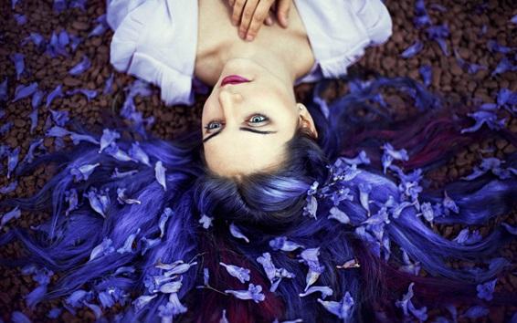 Обои Девушка с голубыми волосами, цветы, настроение