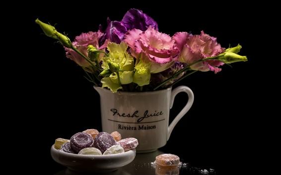 배경 화면 eustoma 꽃과 사탕