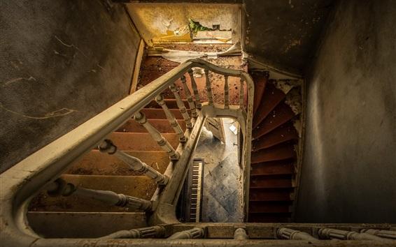 Обои Лестница, дом, руины, пыль