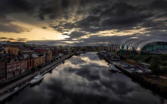 Wallpaper Newcastle, England, city, river, dusk, clouds