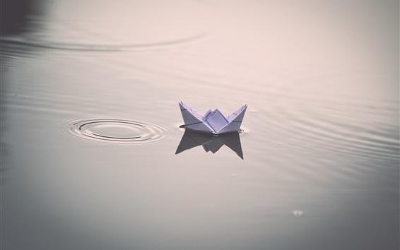 Обои Бумажный корабль, вода