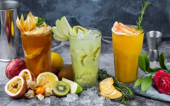 Обои Три чашки напитков, коктейлей, фруктов
