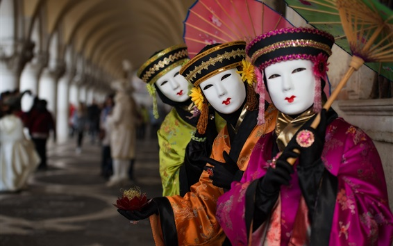 Fond d'écran Venise, Italie, carnaval, costume, parapluie, masque