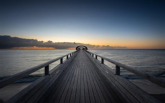 Fond d'écran Pont en bois, mer, nuages, crépuscule