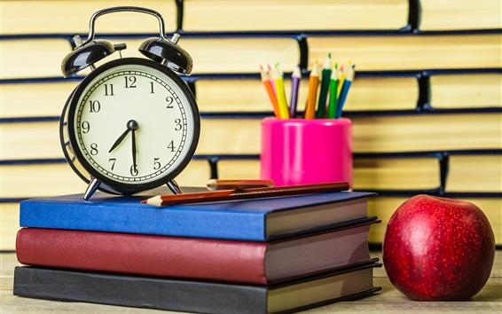 Fond d'écran Réveil, livres, crayons, pomme, nature morte