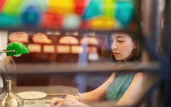 Papéis de Parede Menina asiática, cabelo curto, lâmpada