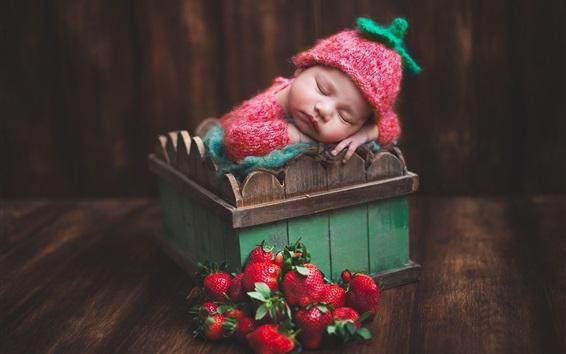 Обои Симпатичный ребенок спать, коробка, клубника
