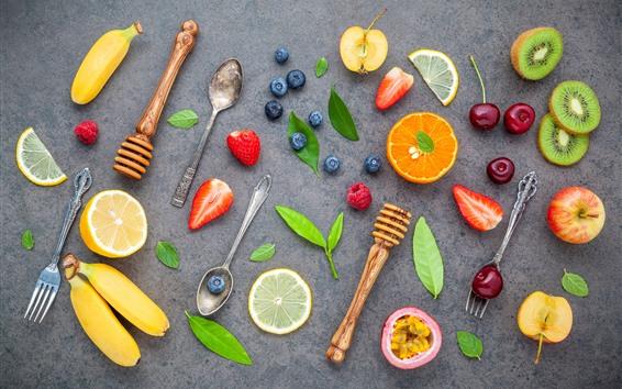 壁紙 フルーツ、バナナ、オレンジ、キウイ、ブルーベリー、イチゴ、スプーン、フォーク