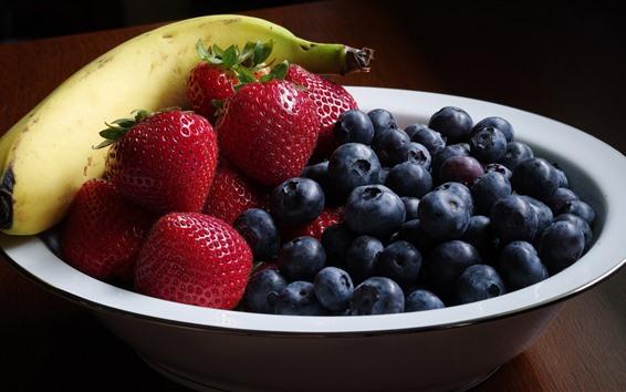 Fond d'écran Fruits, myrtilles, fraises, bananes, bol, nature morte