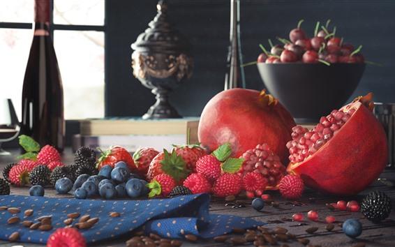 Fond d'écran Fruit, nature morte, grenade, fraise, myrtille, framboise