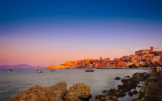 Обои Италия, Лацио, Гаета, город, дома, море, лодки, побережье