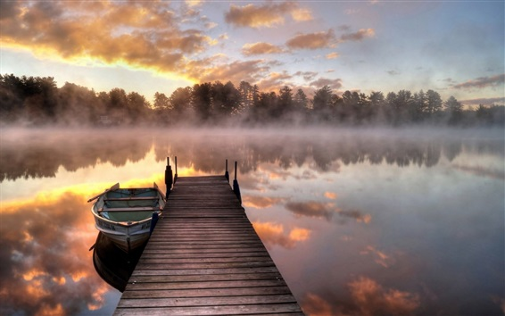 壁紙 朝、霧、湖、桟橋、ボート、木々