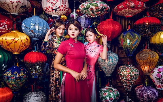 Wallpaper Three beautiful Chinese girls, retro style, colorful lanterns
