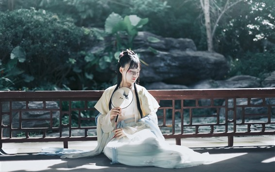 Wallpaper Chinese ancient girl, sit on ground, fence