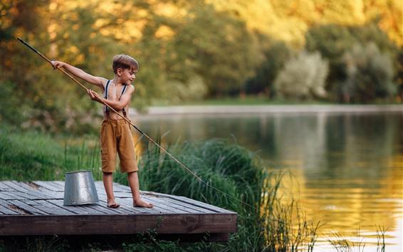 Wallpaper Little boy to fishing