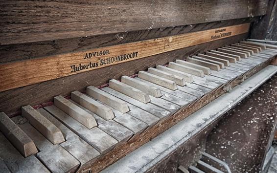 Fond d'écran Vieux piano, poussière