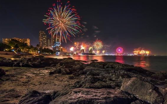 Fond d'écran Thaïlande, Pattaya, pierres, mer, gratte-ciel, feux d'artifice, nuit