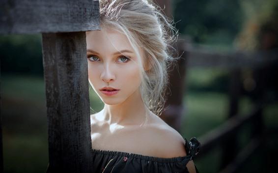 Wallpaper Young blonde girl, look