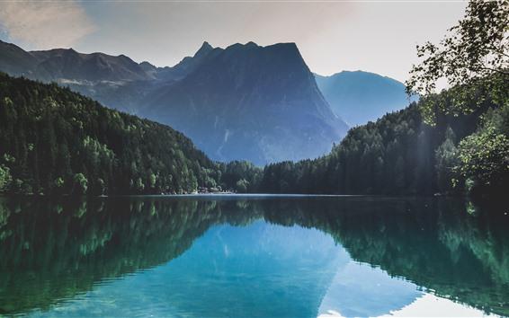 Papéis de Parede Bela natureza paisagem, floresta, lago, reflexão de água, montanhas