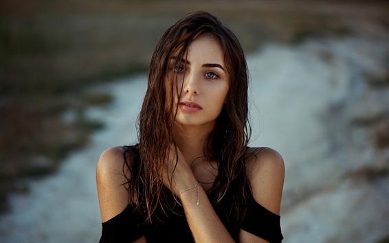 Papéis de Parede Garota de cabelo castanho molhado, olhos azuis
