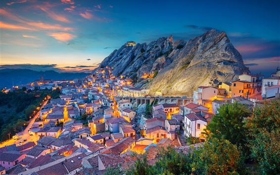 Fondos de pantalla Italia, Basilicata, ciudad, casas, montañas, tarde