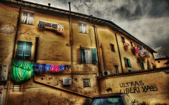 Wallpaper Italy, town, wall, houses, clothes, clouds, HDR style