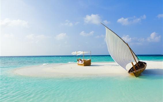 Обои Мальдивы, море, пляж, парусник, девушка, кровать