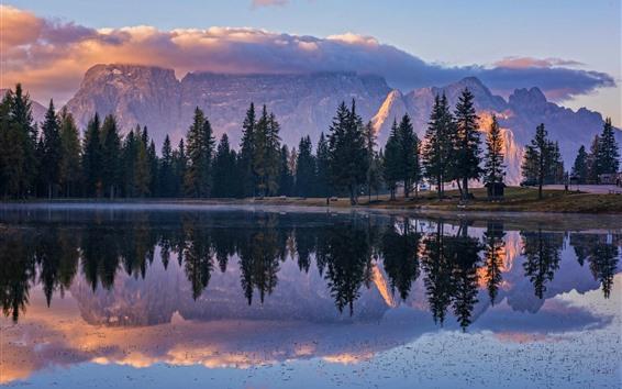 Fond d'écran Montagnes, arbres, lac, réflexion de l'eau, matin