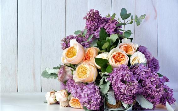 Обои Фиолетовые сиреневые и желтые розы, букет