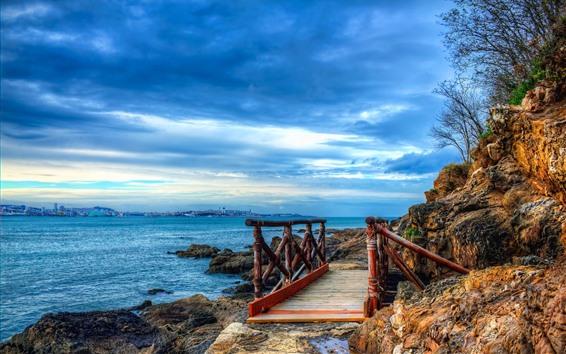 Papéis de Parede Espanha, mar, ponte, rochas, nuvens azuis