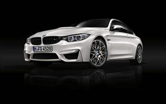 Обои BMW M4 белый автомобиль вид спереди, черный фон
