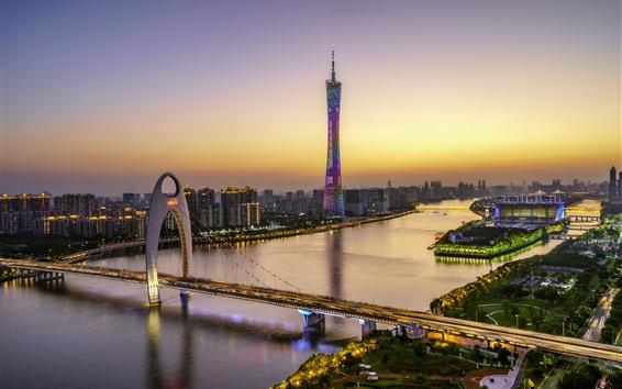 Fondos de pantalla Hermosa Guangzhou, Canton Tower, puente, río, rascacielos, luces, atardecer