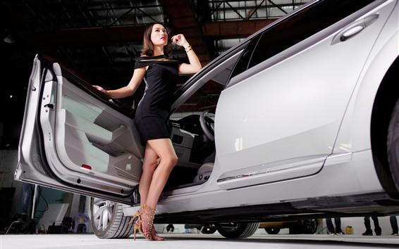 Fondos de pantalla Falda negra de niña, carro, auto show.