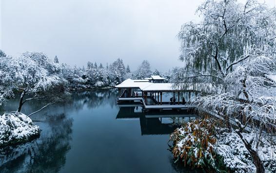 Wallpaper China, Hangzhou, park, snow, trees, lake, people, winter