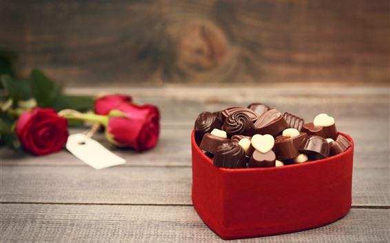 Fondos de pantalla Dulces de chocolate, caja del corazón del amor, rosas rojas, romántico
