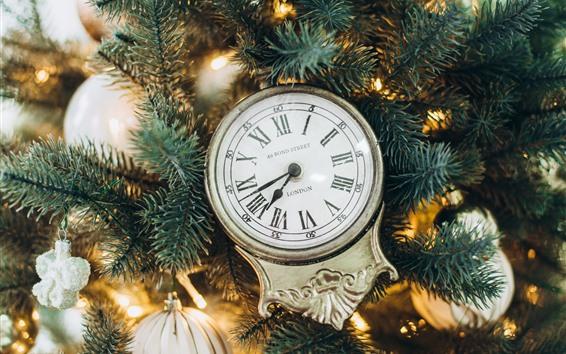 Wallpaper Clock, fir twigs, Christmas balls
