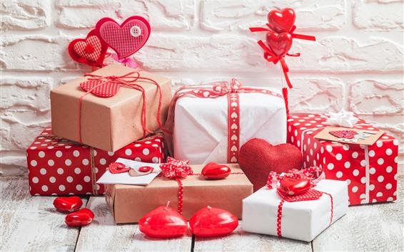 Обои Подарки и любовные сердца, стена фон