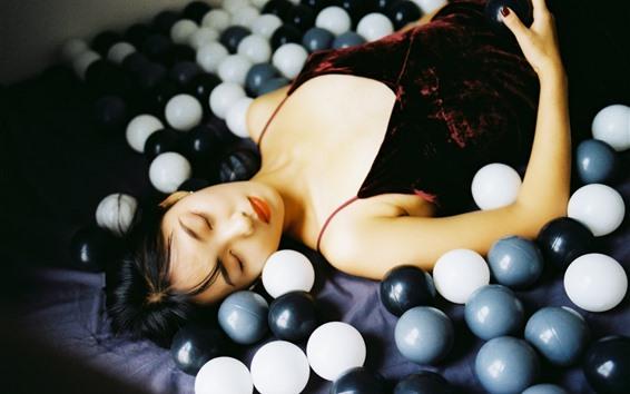 壁紙 眠っている少女、ボール