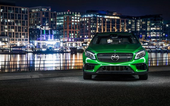 Fondos de pantalla Vista frontal del auto verde Mercedes-Benz AMG GLA