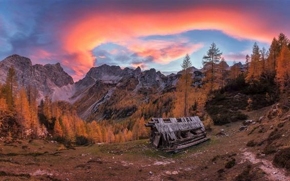 Fondos de pantalla Montañas, árboles, choza, nubes, puesta de sol