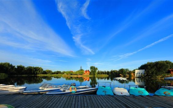 Fondos de pantalla Parque, barcos, lago, árboles, cielo azul, China