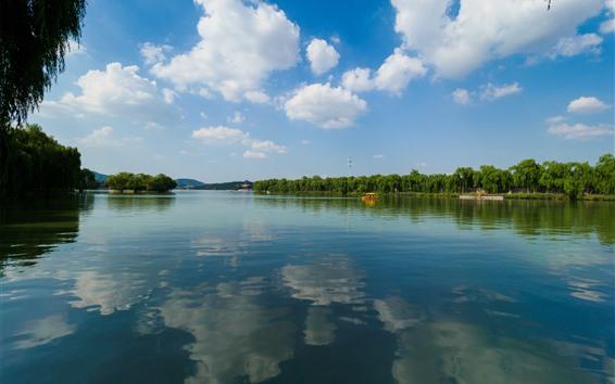 Fondos de pantalla Parque, lago, agua clara, sauce, barcos, nubes, cielo, China
