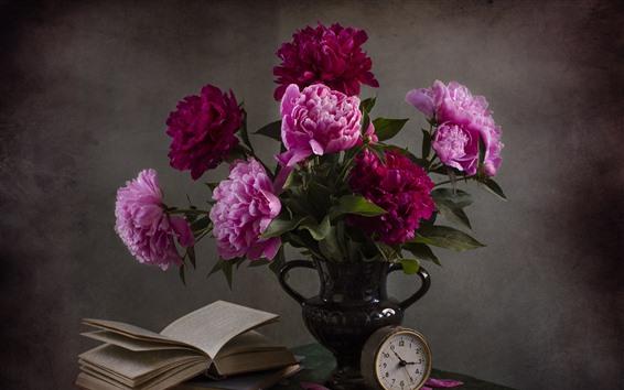 Fondos de pantalla Peonías rosas, flores, florero, libro, reloj