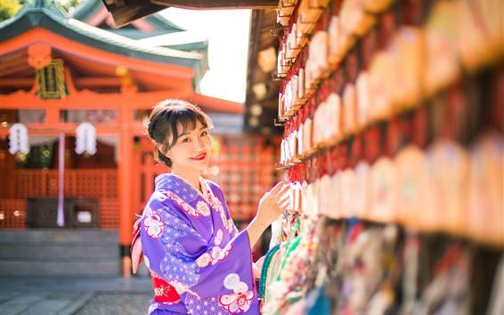 Fondos de pantalla Sonrisa chica japonesa, kimono morado