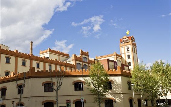 Fondos de pantalla España, barcelona, edificios, arboles, nubes, cielo