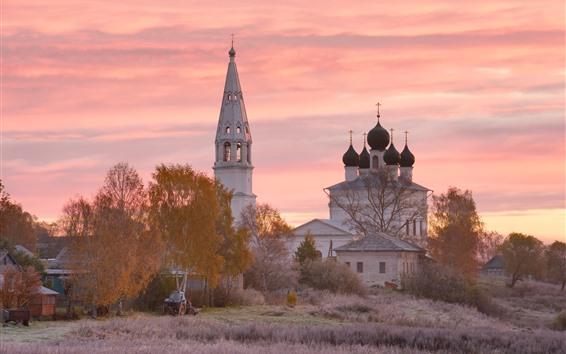 Fondos de pantalla Aldea, iglesia, árboles, puesta de sol