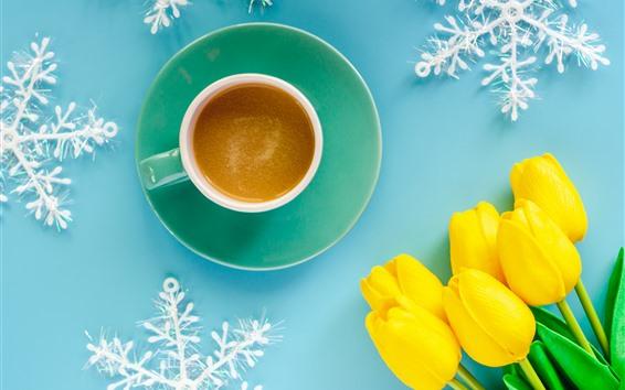 Fondos de pantalla Tulipanes amarillos, café, taza, copos de nieve, fondo azul