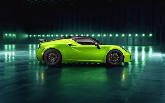 Fondos de pantalla Vista lateral del auto verde Alfa Romeo 4C